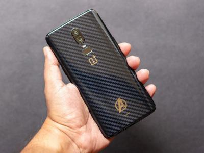 Pinaca ® - Avenger Carbon Fiber Mobile Back Skin for One Plus 6 - Carbon Black - Avengers