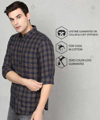 Metronaut Men Checkered Casual Dark Blue Shirt