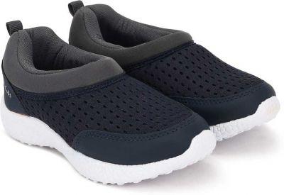 Bubblegummers Slip on Walking Shoes For Boys
