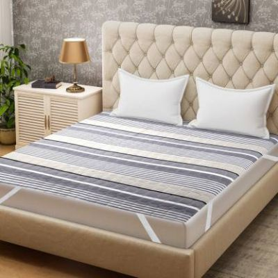 Bombay Dyeing Elastic Strap Single Size Mattress Protector (Multicolor)