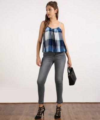 Wrangler Women's Jeans at Min.70% Off