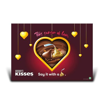 Kisses Hershey's Gift Pack (Assorted Pack 1 Cookies n Creme 100.8gm, 1 Almond 100.8gm, 1 Cookies N Crème 33.6 Gm, 1 Almond 33.6 Gm) Pouch, 4 x 100 g