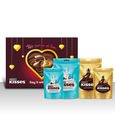 Kisses Hershey's Gift Pack (Assorted Pack 1 Milk 108 Gm, 1 Cookies N Crème 100.8 Gm, 1 Milk 36 Gm, 1 Cookies N Crème 33.6 Gm) Pouch, 4 x 108 g