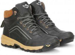 Metronaut Outdoor Boots under Rs.699