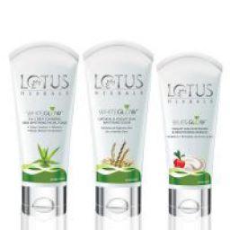 Lotus Herbals Whiteglow Essentials Kit: Face foam, scrub & Masque