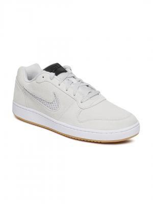 Nike | Minimum 50% off