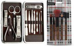 Foolzy Pedicure Manicure And Make Up Brush Set Kit