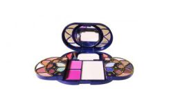ADS Make-Up Kit: Amazon.in: Beauty