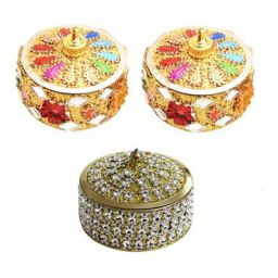 Angelic Brass Jewellery with Sindoor Box (7 cm x 7 cm x 5 cm, Golden)
